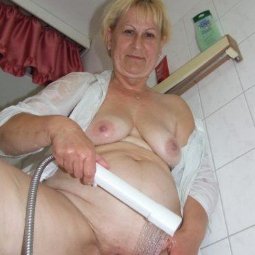 Oma Bilder duschen