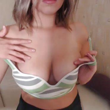 Prall Nackt vor der Webcams