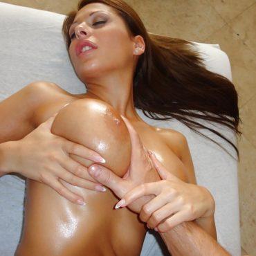 Sie will Brüste kneten