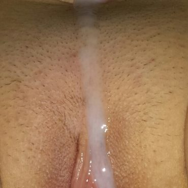 Laufende Spermafotze