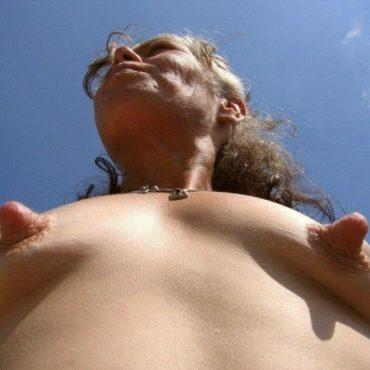 Hardcore Brustwarzen Bilder