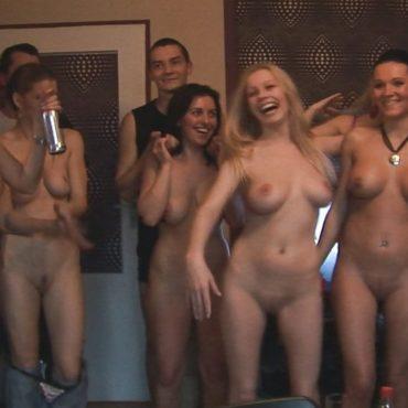 Nackte Frauen Gruppensex Bilder
