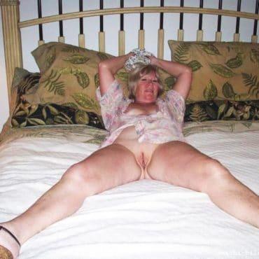 Oma Bilder im Bett