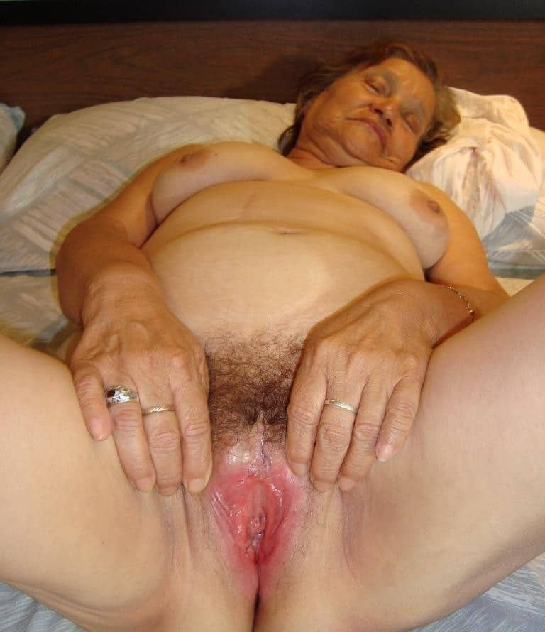 Massive penis bulge