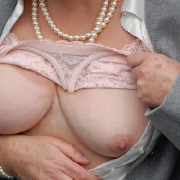 Oma Bilder straffe Titten