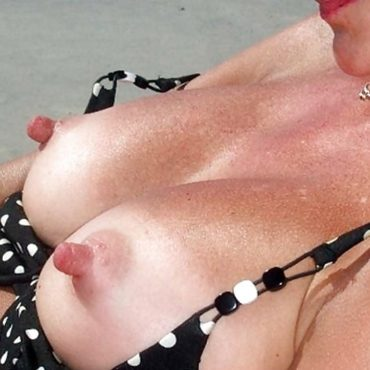 Super Dicke Brustwarzen Bilder