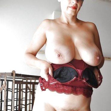 Granny Bilder Titten raus