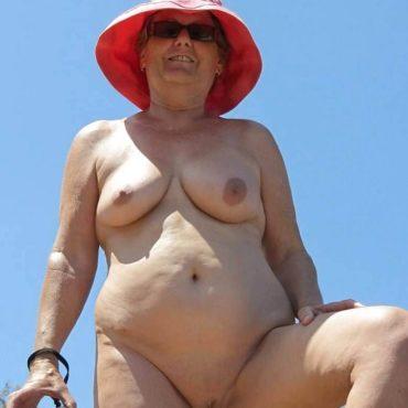 Granny Bilder nackt