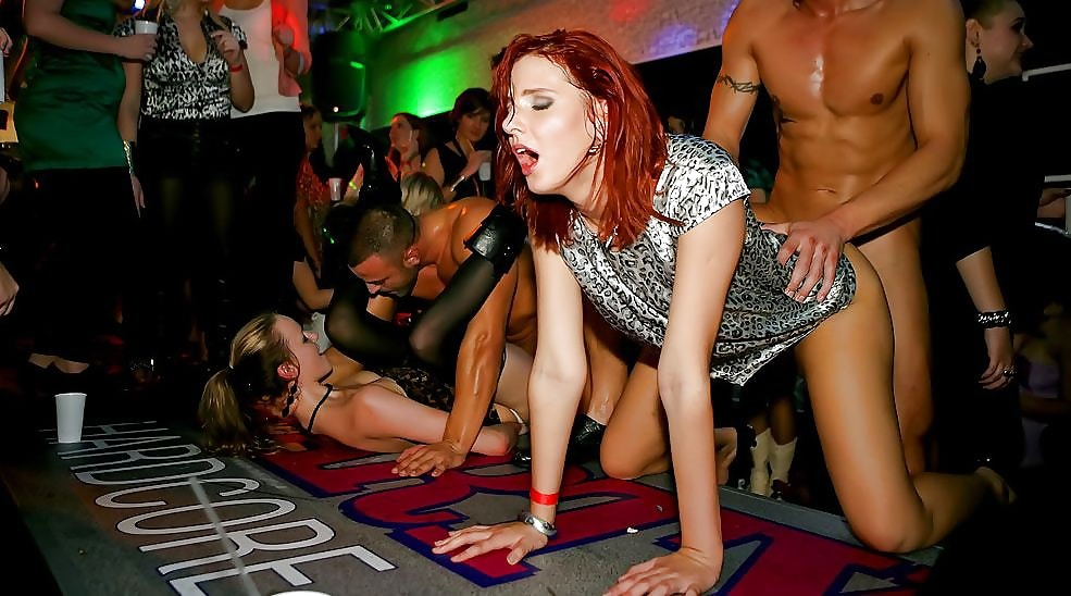 Piper Perabo Coyote hässliche Sexszene Orgie Sex Party Bilder