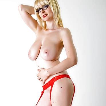 Casey Deluxe nackt
