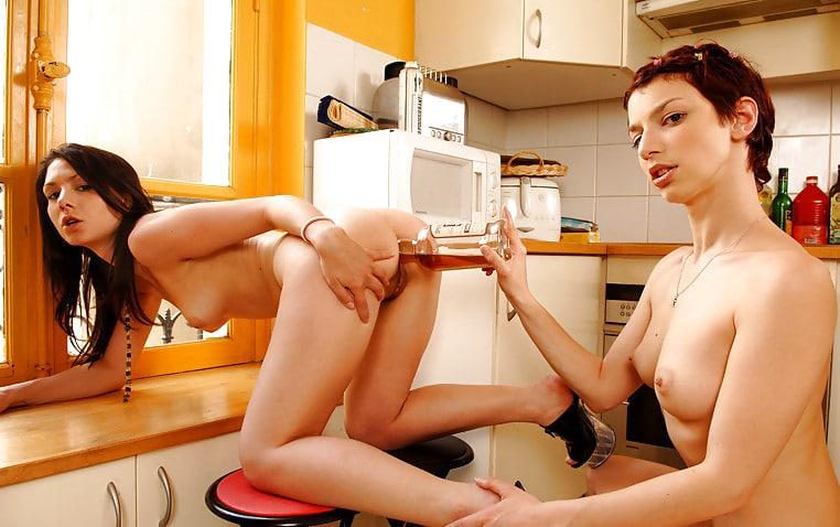 женщина секс с шваброй самец