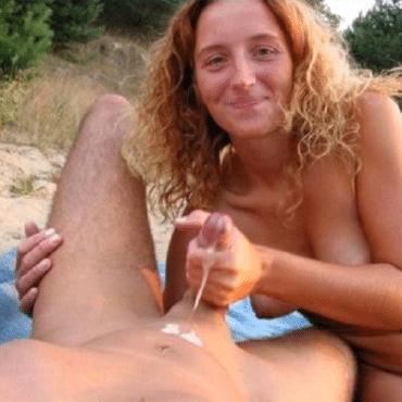 Wichsen am Strand und spritzen