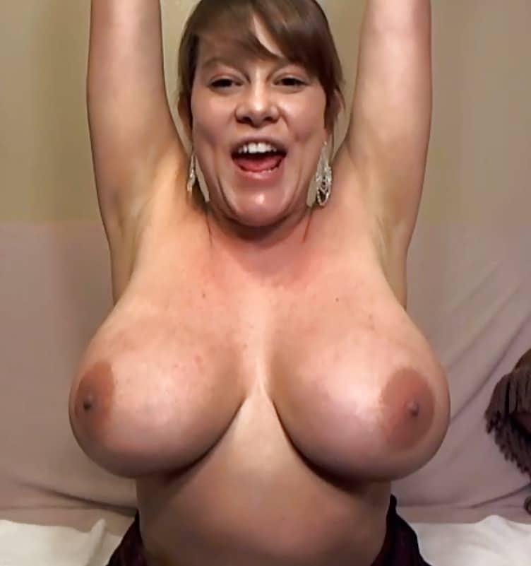 Dicke Nackt vor der Webcam