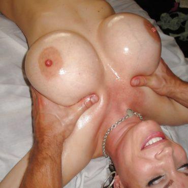 Große Brüste kneten