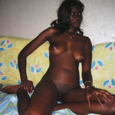 Schwarze Muschi nackt