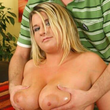 Blonde Titten Grabschen