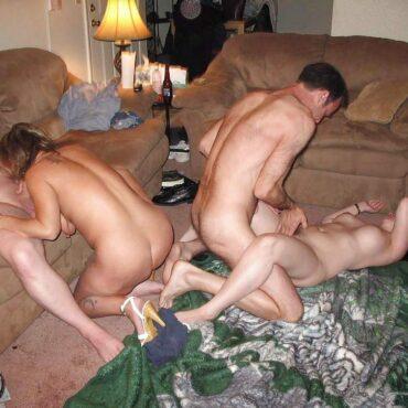 Orgie im Wohnzimmer