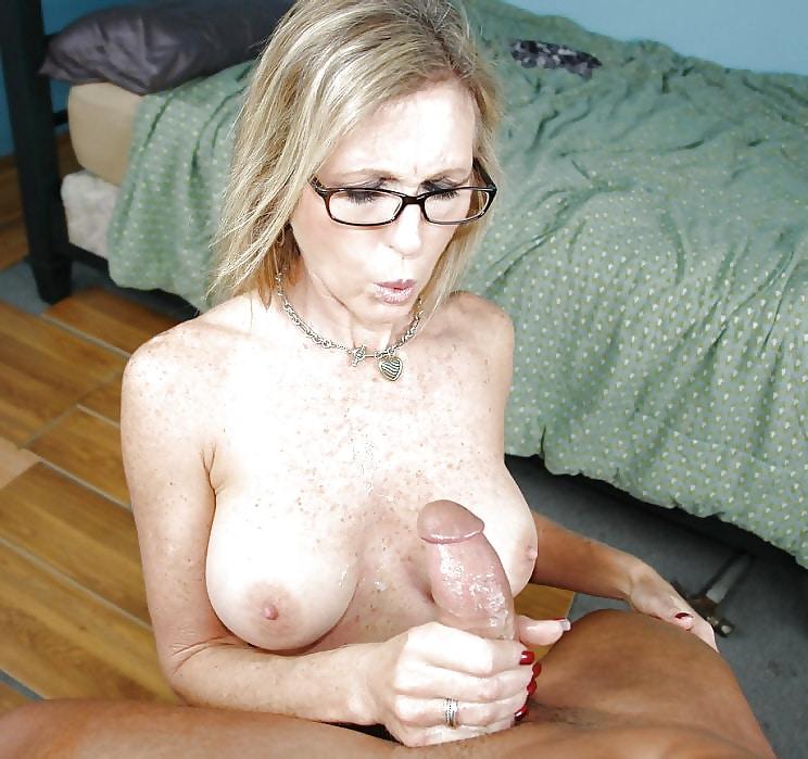 Milfs Mit Brille