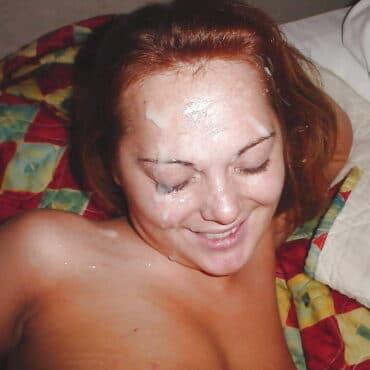 Süß Sperma im Gesicht